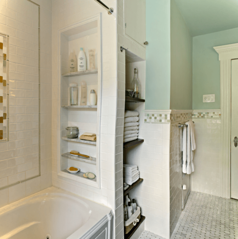 8 simple storage ideas for a small family bathroom for Small family bathroom design